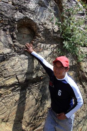 3cea4-eusebiowithmeteoritehole