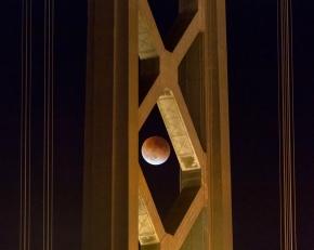 Super Bloodmoon Eclipse through Bay Bridge Tower