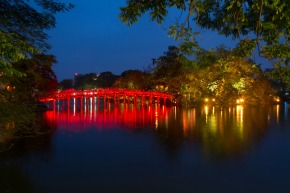 Hoan Kiem Lake after Sunset