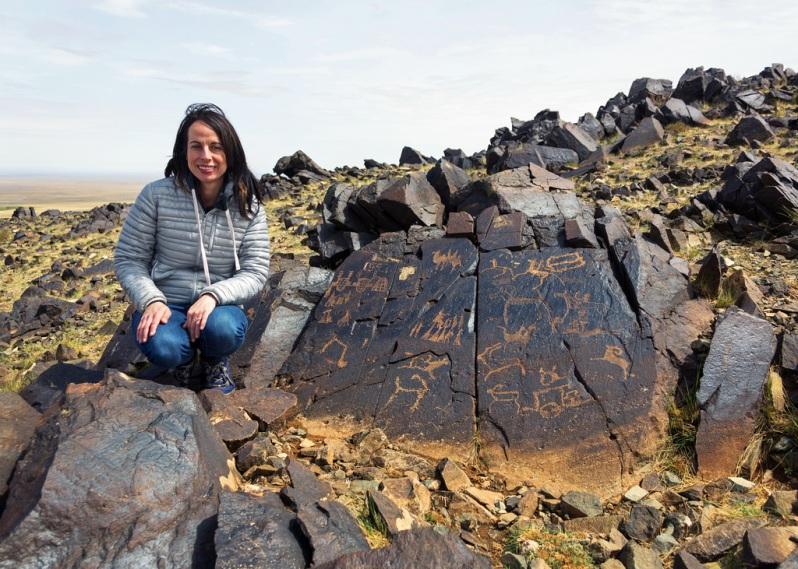 Marie with Khavtsgait Petroglyphs