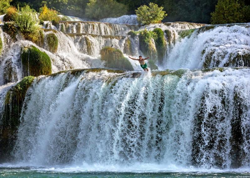 diving-from-krka-waterfall