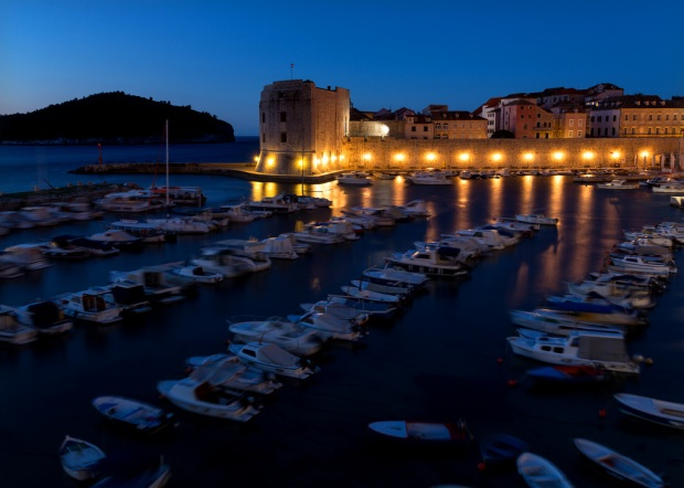 dubrovnik-harbor-before-dawn