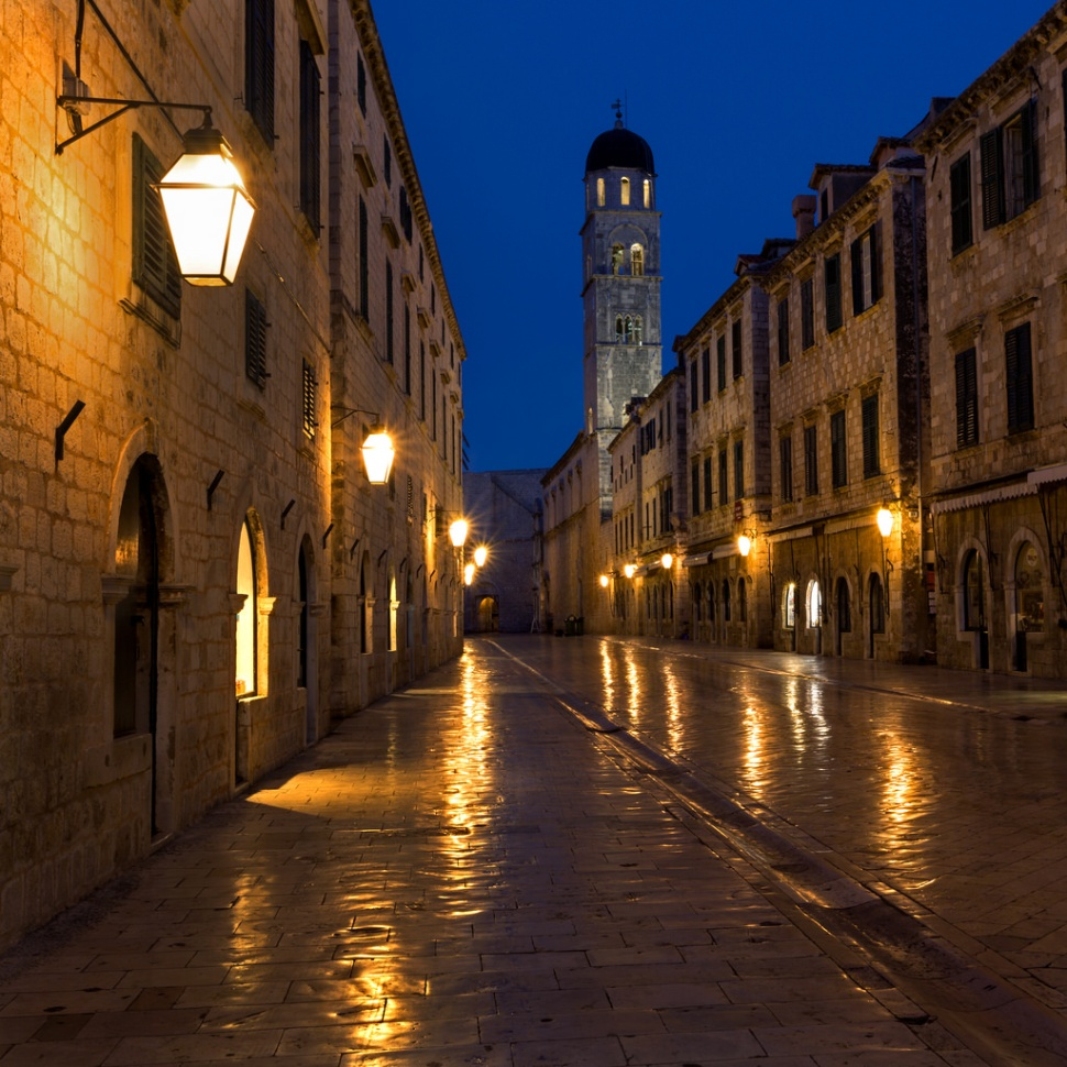 dubrovniks-stradun-before-dawn
