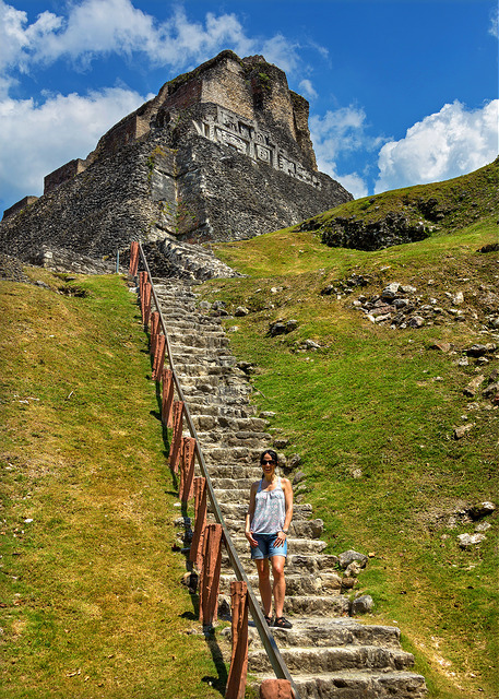 marie-on-xunantunich-steps