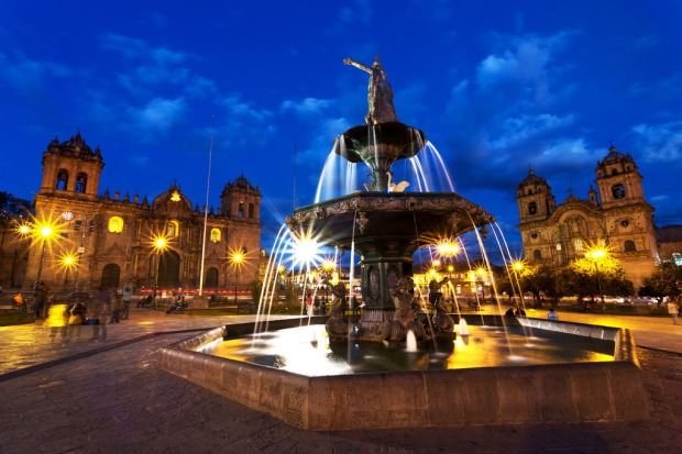 plaza-de-armas-fountain-after-sunset