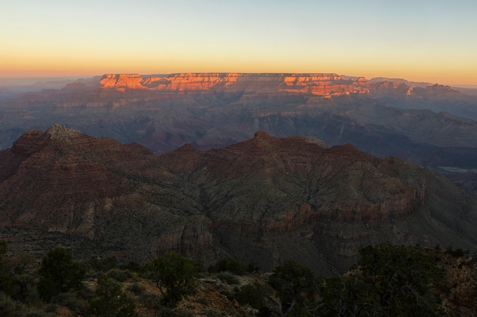 first-light-at-desert-view