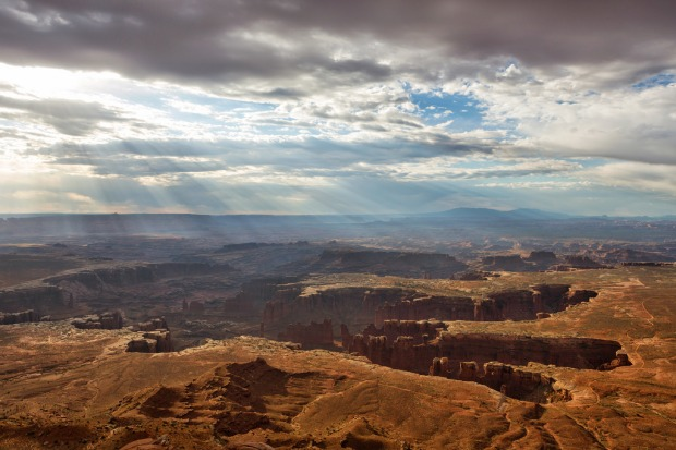 grand-view-point-at-canyonlands
