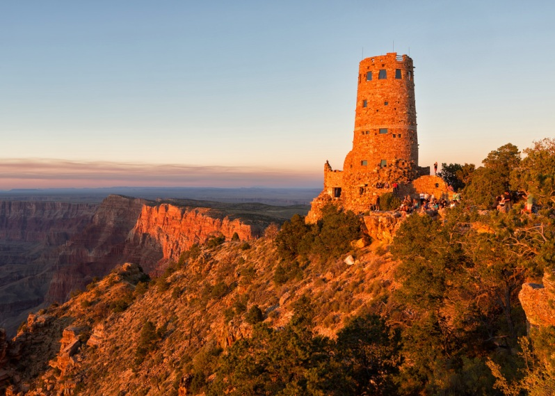 late-light-on-desert-view-watchtower