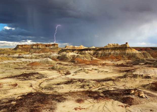 lighting-over-the-bisti-badlands
