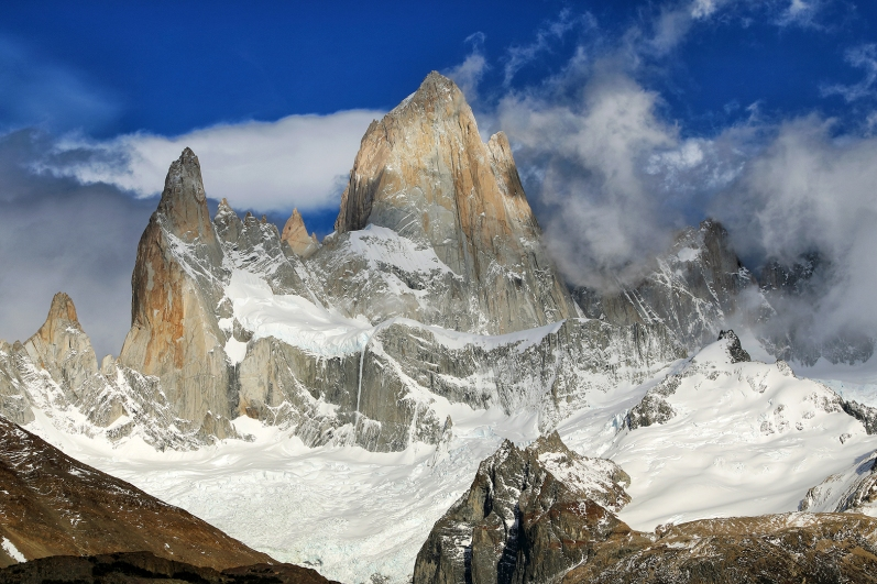 fitz-roy-clouds-and-blue-sky