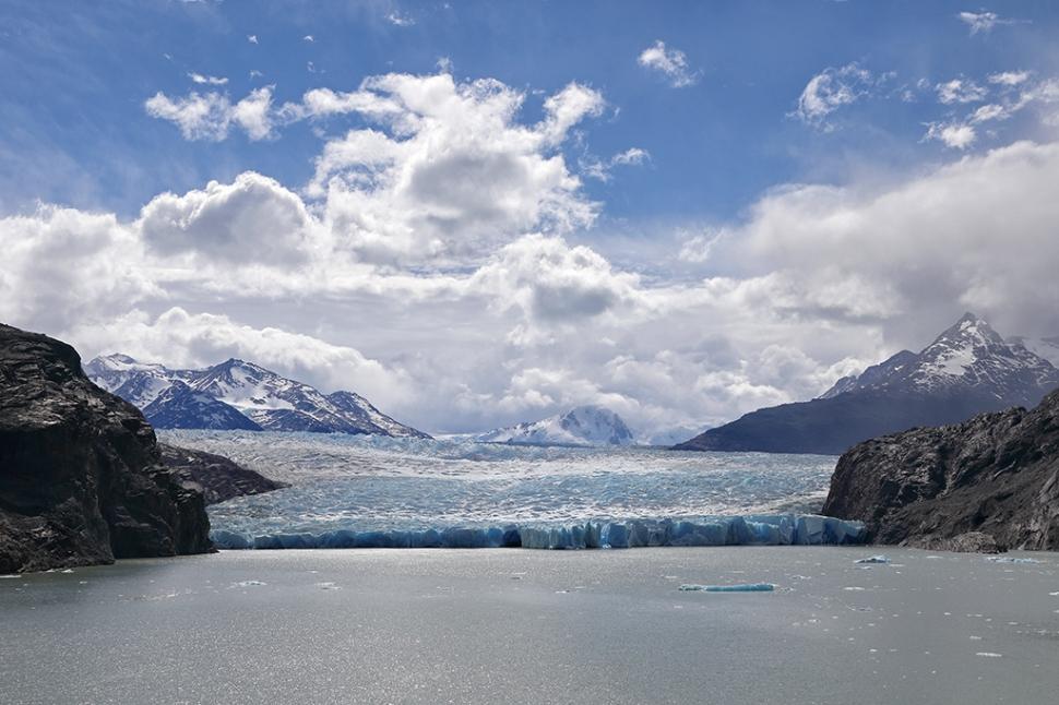 glacier-grey-landscape