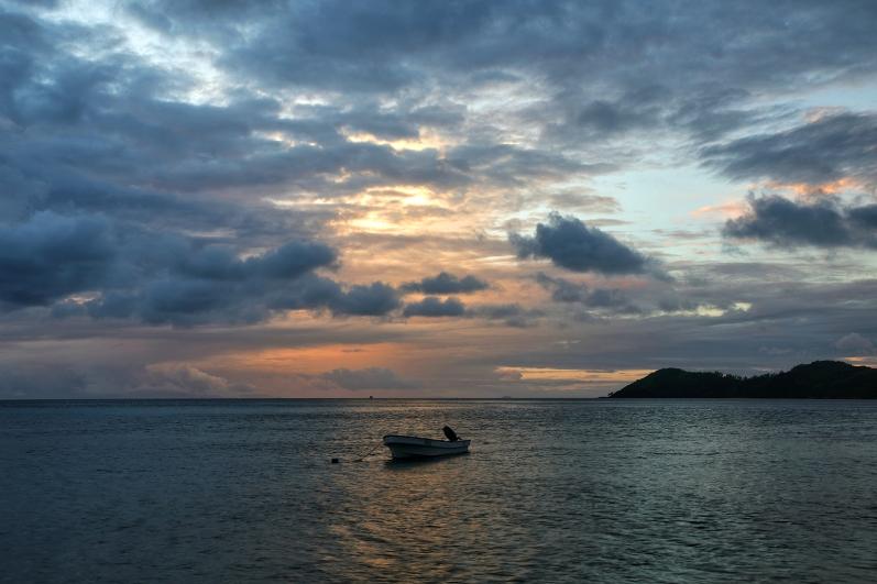 mantaray-island-sunrise