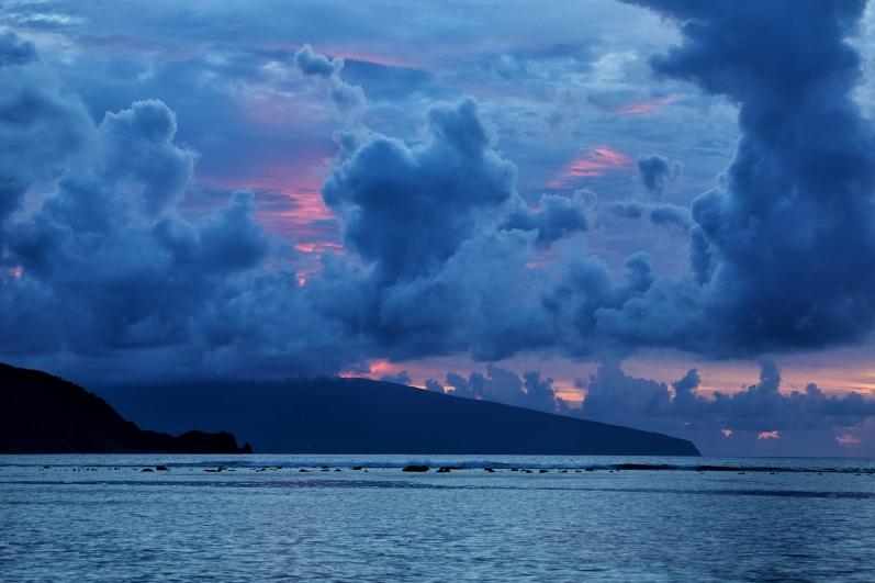 ofu-sunrise-clouds