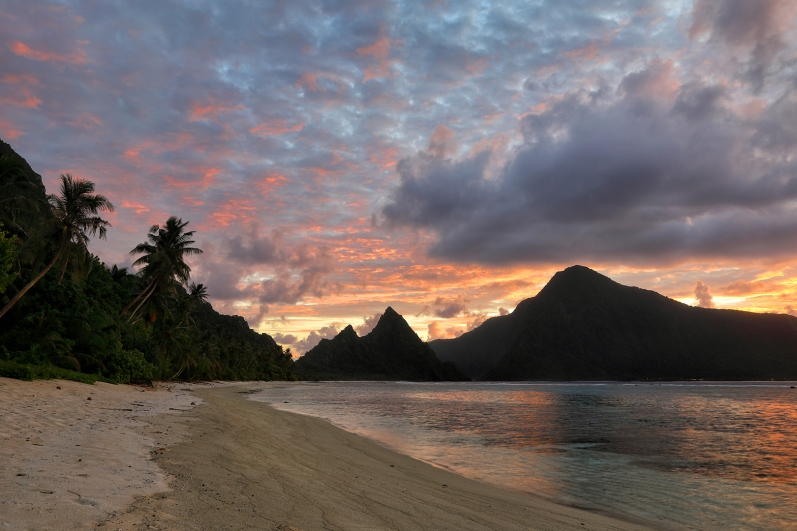 sunrise-at-ofu-beach